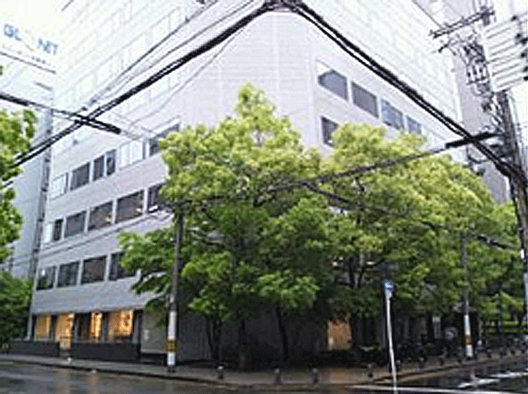 大阪税理士法人AIOビル外観